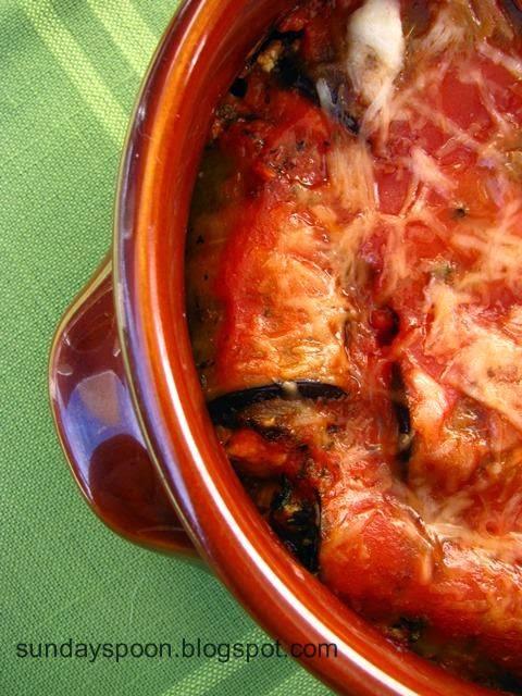 Ρολάκια μελιτζάνας με λιαστή ντομάτα και φέτα