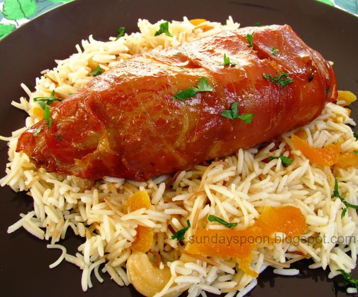 Φιλέτο γαλοπούλας με προσούτο & αρωματικό ρύζι με βερίκοκα και κάσιους
