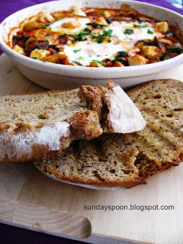 Αυγά φούρνου με σπανάκι και μαλακό τυρί Μαστέλο®