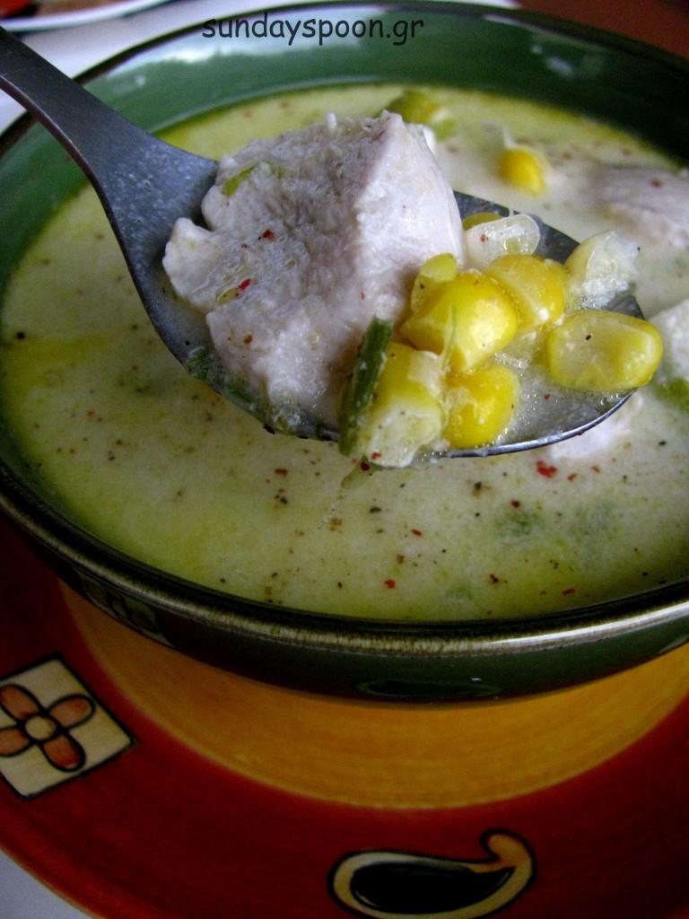 Σούπα με κοτόπουλο, καλαμπόκι και πράσο