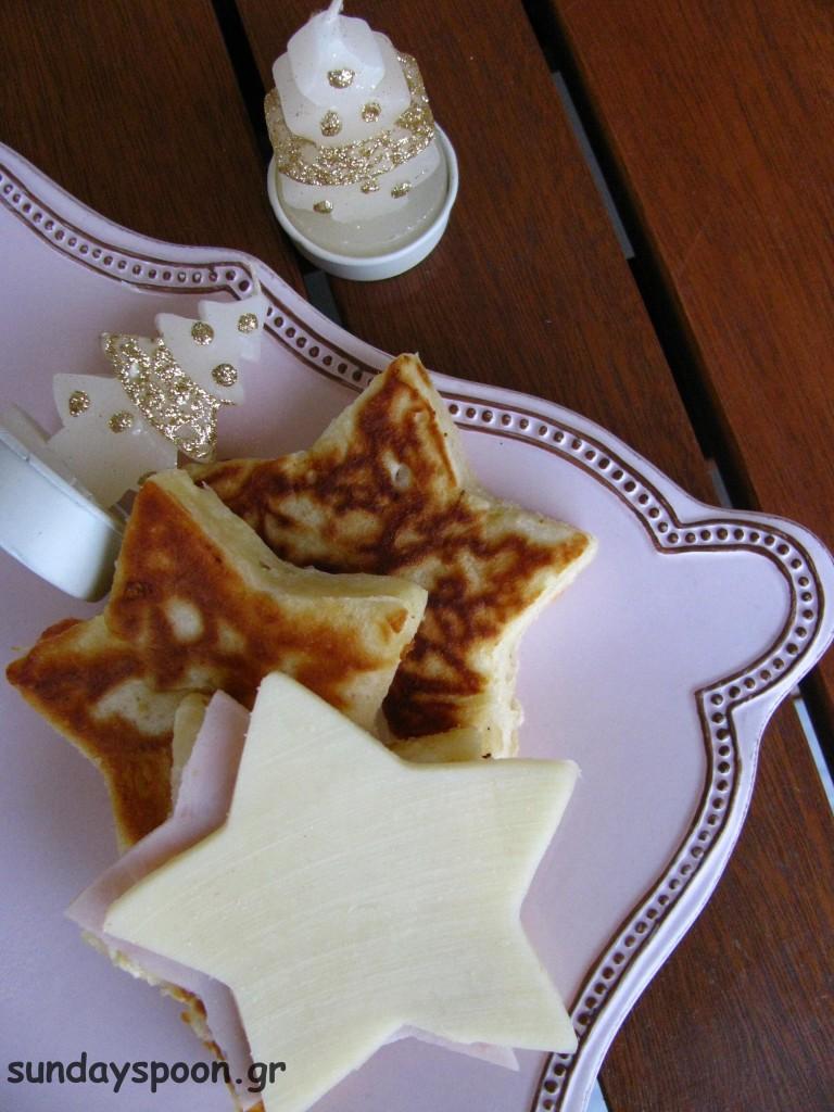 Χριστουγεννιάτικα pancakes σε δύο εκδοχές (αλμυρή και γλυκιά)
