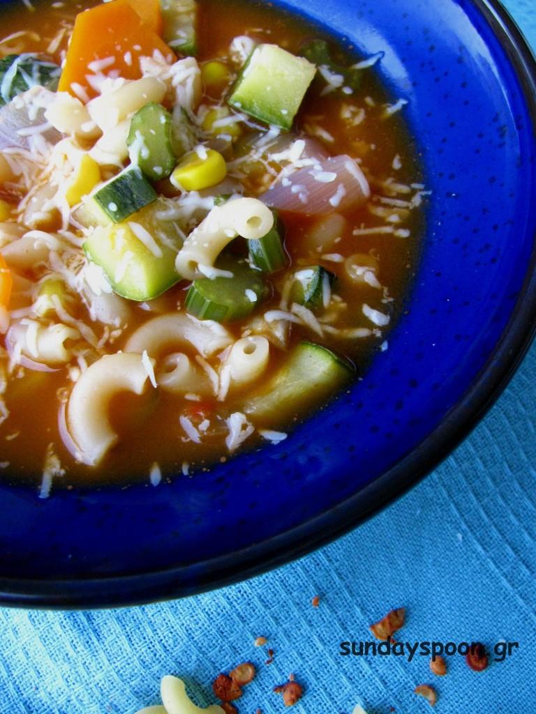 Σούπα μινεστρόνε με λαχανικά και μπούκοβο (για το κρυολόγημα)