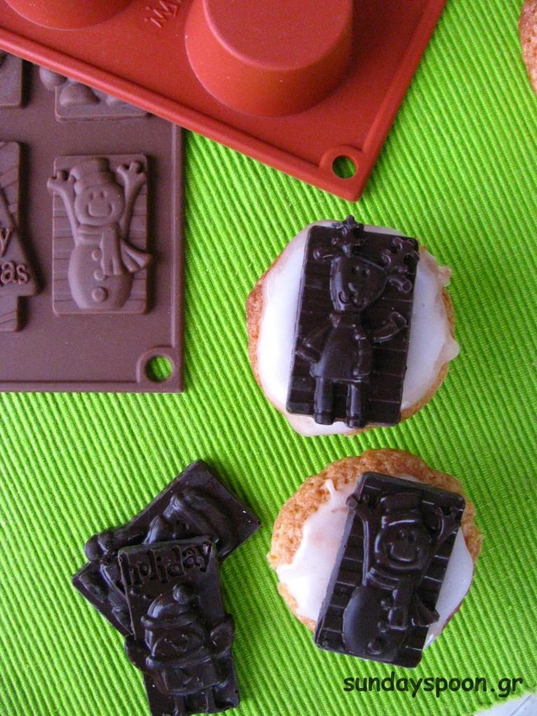 Μίνι χριστουγεννιάτικα cupcakes με υποβρύχιο και σοκολάτα