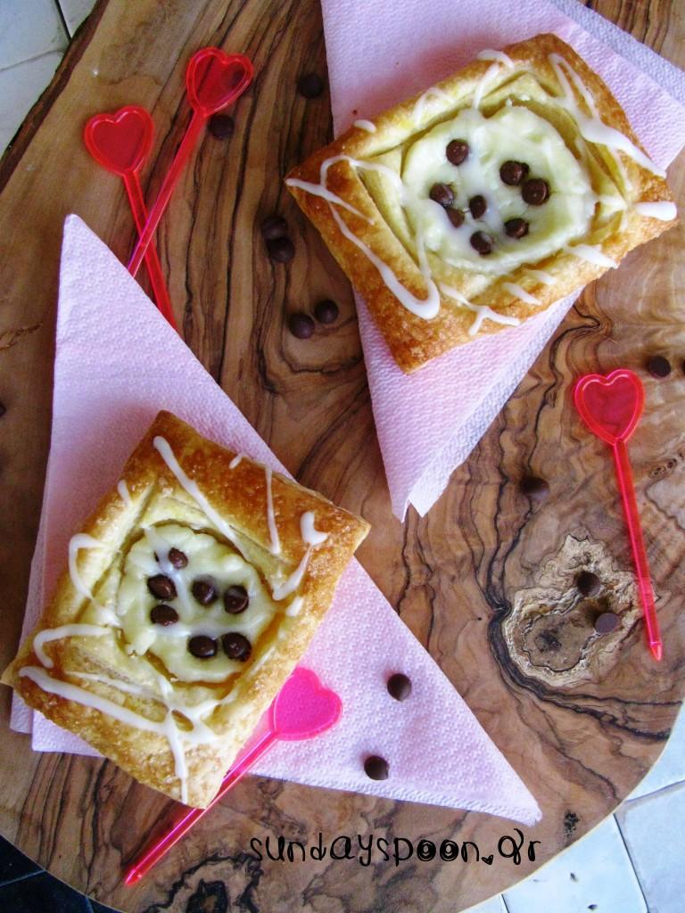 Γλυκά σφολιατίνια με τυρί κρέμα και σοκολάτα