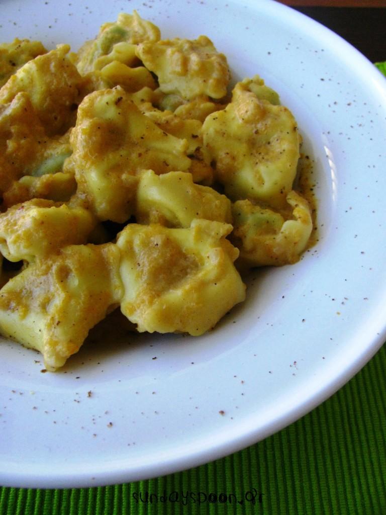 Τορτελόνι με κρεμώδη σάλτσα κολοκύθας (χωρίς κρέμα γάλακτος)