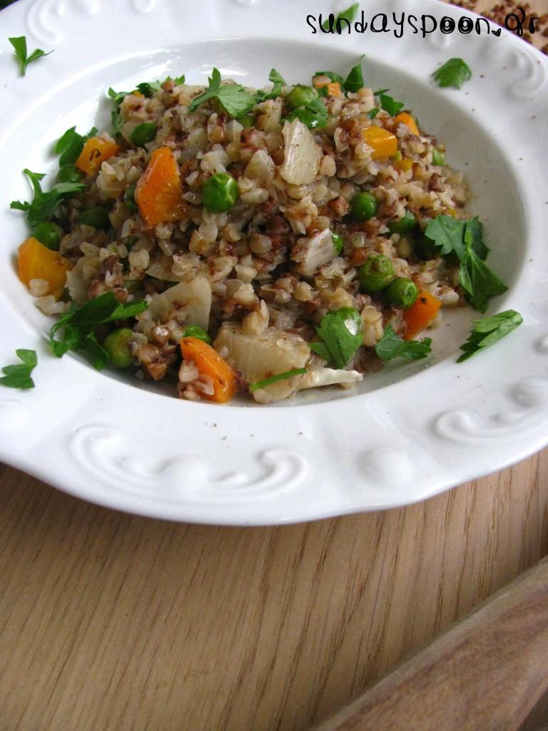 Ελαφρύ ριζότο με φαγόπυρο και λαχανικά